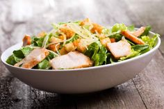 caesar salad with chicken and greens on wooden table New Recipes, Cooking Recipes, Starchy Vegetables, Croatian Recipes, Low Carbohydrate Diet, Caesar Salad, Diet Meal Plans, No Carb Diets, Chicken Salad