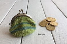 Háčkovaná peňaženka – lanatvori.sk Crochet Coin Purse, Free Pattern, Coins, Wallet, Purses, Diy Crafts, Pocket Wallet, Handbags, Coining