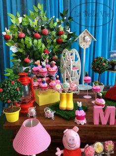 La Belle Vie Eventos: centro de mesa Peppa Peppa Pig Birthday Decorations, Peppa Big, Aniversario Peppa Pig, Cumple Peppa Pig, George Pig, Pig Party, Princess Party, 3rd Birthday, Party Planning
