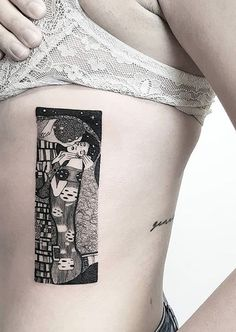 27 Tattoos Inspired By Classic Art To Wear Your Artistic Soul On Your Skin. Fro… 27 Tattoos Inspired By Classic Art To Wear Your Artistic Soul On Your Skin. From Klimt to Da Vinci and Van Gogh, here's 27 tattoos for true art lovers! Kiss Tattoos, Couple Tattoos, Tattoo You, New Tattoos, Sleeve Tattoos, Movie Tattoos, Foot Tattoos, Tatoos, Klimt Tattoo