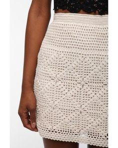 Falda blanca tejida