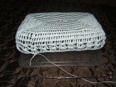 DSCF1752 Easter Crochet Patterns, Crochet Hats, Kiwi, Decor, Creative Crafts, Creativity, Paper Flowers, Baskets, Ideas
