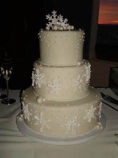 engaging Stunning Winter Wedding Cakes