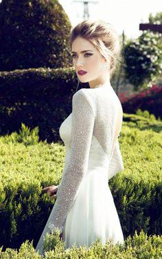 Wedding Gown by Nurit Hen - Bridal Collection 2013 sleeves😍😍😍 Glamorous Wedding, Elegant Wedding Dress, Dream Wedding Dresses, Wedding Gowns, Wedding Blog, Glamorous Makeup, Dramatic Makeup, Wedding Ideas, Wedding Planner