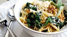 Simple One Pot Fall pasta dish. Butternut Squash linguine with kale. Delicious and healthy Kale Recipes, Baby Food Recipes, Pasta Recipes, Vegetarian Recipes, Cooking Recipes, Healthy Recipes, Recipies, Relish Recipes, Healthy Dinners