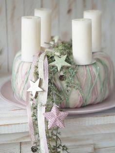ChriSue Haus- und Hofdekorationen - Adventsdekorationen/Kränze Christmas Decorations, Table Decorations, Xmas Gifts, Garden Design, Gift Wrapping, Friday Memes, Pet Products, Gq, Black Friday