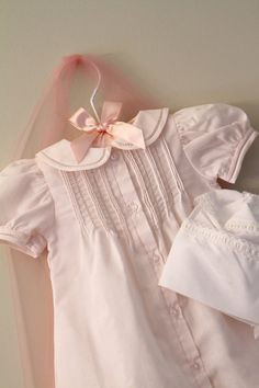 Display newborn coming home outfit