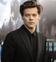 Harry Styles Fotos, Harry Styles Mode, Harry Styles Funny, Harry Styles Imagines, Harry Styles Pictures, Harry Edward Styles, Hot Harry Styles, Harry Styles Photoshoot, Sam Heughan