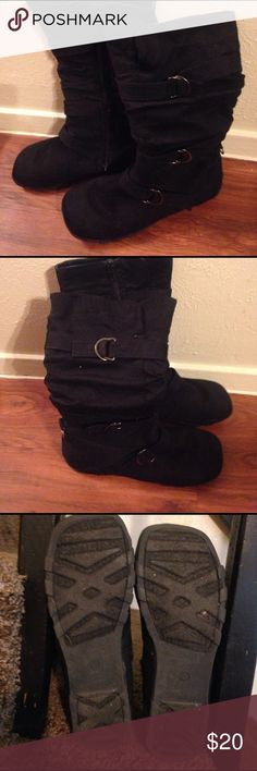 Women cute Black boots by Hot Cakes buckles 7 1/2 Very cute women black boots size 7 1/2 Hot Cakes with zipper in like new condition. Happy shopping 🛒 Hot Cakes Shoes Winter & Rain Boots