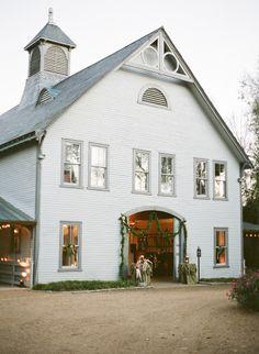 Rustic wedding: http://www.stylemepretty.com/little-black-book-blog/2014/12/22/romantic-belle-meade-plantation-wedding/ | Photography: Brooke Boling - http://www.brookebolingweddings.com/