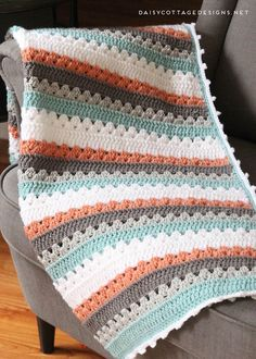 Learn how to make this classic crochet blanket pattern. This large granny square crochet pattern is perfect to make for any new mom - including you! # striped crochet blanket pattern Granny Square Pattern - A free crochet pattern Granny Stripes, Modern Crochet Blanket, Crochet For Beginners Blanket, Granny Square Crochet Pattern, Afghan Crochet Patterns, Crochet Granny, Baby Blanket Crochet, Granny Squares, Crochet Blankets