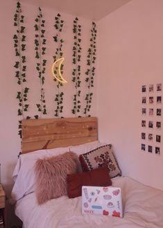 Cute Room Ideas, Cute Room Decor, Teen Room Decor, Room Ideas Bedroom, Diy Bedroom Decor, Bedroom Inspo, Room With Plants, Indie Room, Boho Room