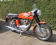 cafe racer culture | ... Culture - The small car blog: Royal Enfield Factory Cafe Racer