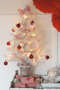 JC Penney Holiday Party - Tree by PartiesforPennies.com #christmas #holidays