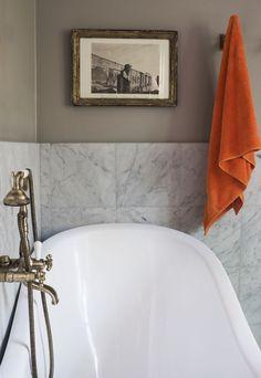 endre badrum badkar tavla handduk