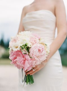 Pink peonies: http://www.stylemepretty.com/2014/11/24/elegant-outdoor-provence-wedding/ | Photography: O'Malley - http://omalleyphotographers.com/