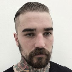Slick Back Undercut + Beard - Best Men's Hairstyles: Cool Haircuts For Guys Mens Hairstyles 2018, Popular Mens Hairstyles, Cool Hairstyles For Men, Undercut Hairstyles, Popular Hairstyles, Cool Haircuts, Haircuts For Men, Men's Haircuts, Hairstyle Ideas