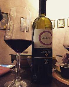 Waiting for the nigth.. Ceregio Sangiovese superiore @vininorden #ceregio #zerbina #saturday #saturdaynight #aperitif #redwine #redwine #rødvin #godvin #sangiovese #winefest #winetasting #wine #frasco #tw #pin #fb #waitng #waitforit #pic #picture #winenot #wine #winetrip