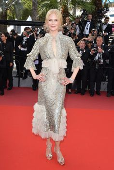 With a series of blockbuster red carpet appearances at this year's Cannes Film Festival, Nicole Kidman is on a roll. Why we love this Rodarte dress? It's the perfect balance of antique frou and modern radiance. Off White Dresses, Red Carpet Dresses, Nice Dresses, Nicole Kidman Style, Valentino Dress, Frill Dress, Vogue, Glamour, Cannes Film Festival