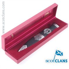 Hunter Clan Crest Sgian Dubh. Free worldwide shipping available.