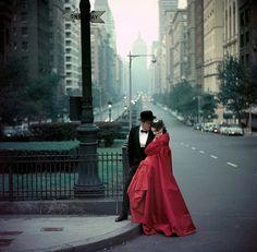New York - Fashion photo by Gordon Parks. - New York - Fashion photo by Gordon Parks - Gordon Parks, Park Photography, Glamour Photography, Fashion Photography, Better Photography, Modeling Photography, Colour Photography, Urban Photography, Vintage Photography