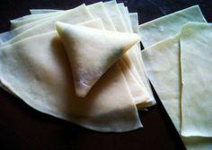 Resep Kulit samosa(multiguna) homemade step by step oleh Syahla Mom cuisine - Cookpad Lumpia Recipe, Samosa Recipe, Indonesian Desserts, Indonesian Food, Savory Snacks, Healthy Snacks, Food Hacks, Indian Food Recipes, Easy Meals