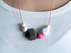 geometrische Holzkette WOODY DIAMOND // wooden geometrical necklace by frausieben via dawanda.com