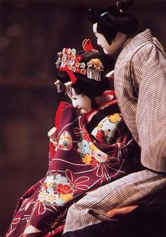 Bunraku dolls: Osome and Hisamatsu / Bunraku is traditional Puppet play.The story is almost just like KABUKI