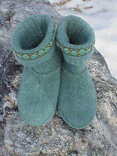 Slipper Boots - made from recycled sweater, via Flickr.