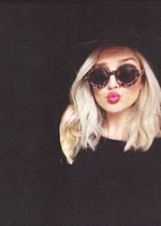 Hey I'm perrie!Im 19 and single.Im on the girl band little mix.I like to dye my hair.Intro?