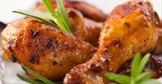 Coxa de frango cozida na cerveja para servir com cenoura e cebola: veja o passo a passo