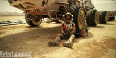 First Looks at The Martian Revealed #scifi