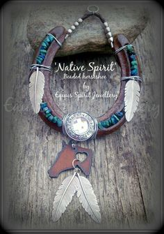 Native Spirit semi precious beaded by EquusSpiritJewellery on Etsy Horseshoe Projects, Horseshoe Crafts, Horseshoe Art, Lucky Horseshoe, Western Crafts, Western Decor, Beaded Horseshoe, Creation Deco, Indian Crafts