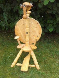 Wunderschönes, perfekt funktionierendes Spinnrad in Möbel & Wohnen, Hobby & Künstlerbedarf, Häkeln & Stricken | eBay