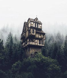 Dream house in the Photo edited by – All Pictures Camping Survival, Outdoor Survival, Survival Gear, Camping Sauvage, Destinations, Misty Forest, Tower House, Fantasy Places, Witch House