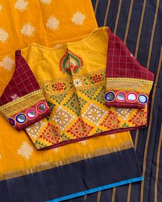 Hand Work Blouse Design, Stylish Blouse Design, Stylish Dress Designs, Fancy Blouse Designs, Blouse Neck Designs, Kurta Designs, Blouse Patterns, Hand Embroidery Dress, Embroidered Blouse