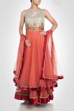 amazing Sabyasachi Mukherjee stylish outfits