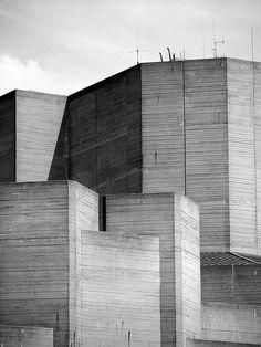 Lasdun's Cliff  The National Theatre, London