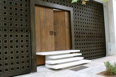 Carlo Scarpa-esque door in Athens