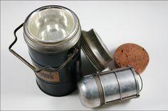 Il Primo contenitore termico prodotto dalla compagnia Thermos: il Thermos Jumbo Jug del 1923.