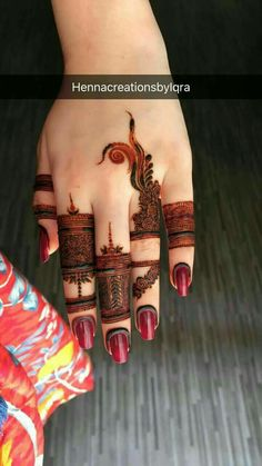 Beautiful Easy Finger Mehndi Designs Styles contains the elegant casual and formal henna patterns to try for daily routines, eid, events, weddings Indian Henna Designs, Finger Henna Designs, Mehndi Designs 2018, Stylish Mehndi Designs, Mehndi Designs For Fingers, Wedding Mehndi Designs, Mehndi Design Pictures, Beautiful Mehndi Design, Mehandi Designs
