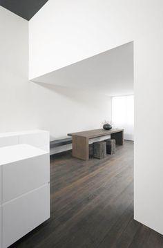 Brigitte Hodel, Johannes Marburg · Apartment in Zug Minimalist Apartment, Minimalist Interior, Modern Interior Design, Interior Design Inspiration, Minimalist Design, Interior Architecture, Minimal Decor, Innovation Design, Kitchen Interior