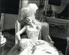 godsavethefrenchqueen:  Kirsten Dunst in Sofia Coppola's Marie Antoinette.