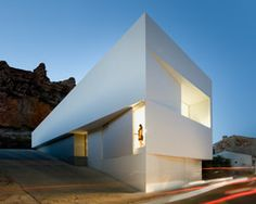 fran silvestre embeds mountainside house in valencia