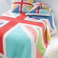 One can never have too many Union Jacks... Love this bed spread.