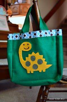 Library Tote bags *an easy sewing tutorial*