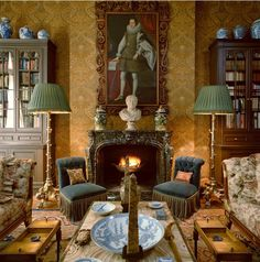 The library in Peter Glenville's Manhattan apartment, which was decorated by Bennison beginning in the mid-1960s. Glenville's close friend, Bennison continued to work on the apartment up until his death in 1984.