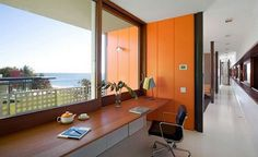 Beach Glass House Design, sliding glass wall house designs, Sport Room Interior Idea, Luxury Beach House Design, glass and wood pavilion Office Interior Design, Office Interiors, Glass House Design, Home Suites, Orange Walls, Casement Windows, Architect Design, Room Inspiration, Office Cleaning