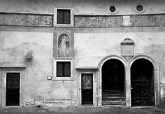 Teresa Correale  @Tacphotos  http://tacphotos.com/  http://ift.tt/2hYhdu1  Location of shoot Rome Italy. You can never bring back the true artists and the architects that had once created this most amazing antiquity of this renaissance style building. Just loved the textures shapes and the once true painting of a woman located above the window. It would had been a colourful mural scene back in that era. #visualsoflife #womeninphotography #inspiration #photo #photos #pic #pics #picture…