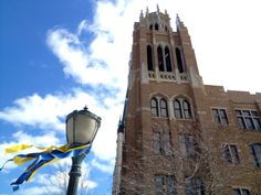 Blue and gold ribbons on campus: Marquette University is ready for Tourney Time!